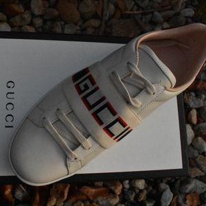Gucci Women's New Ace Gucci Stripe Sneakers